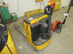 OM TL 14 lift truck - Lot 10 (Auction 2129)