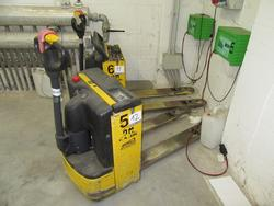 OM TL 14 lift truck - Lot 12 (Auction 2129)