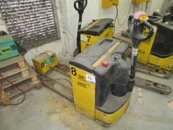 OM TL lift truck - Lot 14 (Auction 2129)