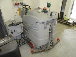 Comac Tripla 85 Washbasin - Lot 19 (Auction 2129)