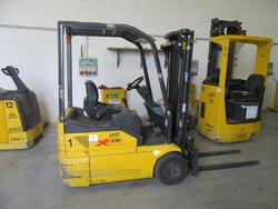 OM XE 15 3 lift truck - Lot 3 (Auction 2129)