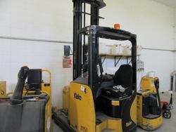 Yale lift truck - Lot 6 (Auction 2129)