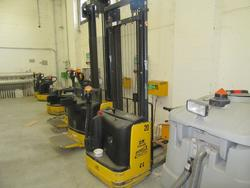 OM lift truck - Lot 9 (Auction 2129)