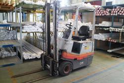 OM forklift - Lot 21 (Auction 2130)