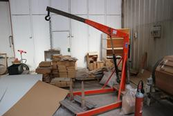 OMC gruffer and pallet truck - Lot 12 (Auction 2150)