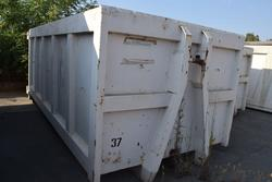 Garbage can - Lot 23 (Auction 2162)