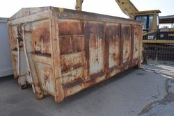 Garbage can - Lot 40 (Auction 2162)