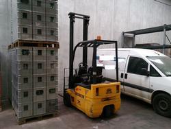 OM lift Truck - Lot 1 (Auction 2184)