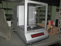 Stock of medical products and analisys laboratory equipment - Lot  (Auction 2189)
