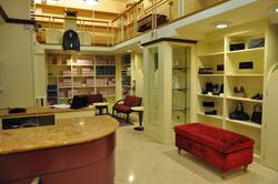 Shop furniture - Lot 1 (Auction 2212)