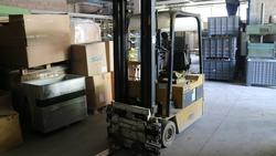 Caterpillar forklift - Lot 13 (Auction 2214)