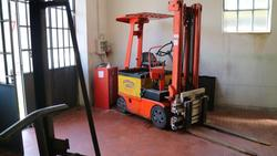 Lugli lift truck - Lot 40 (Auction 2214)