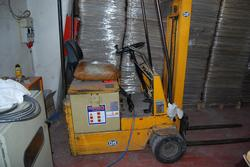 OMS forklift - Lot 49 (Auction 2214)