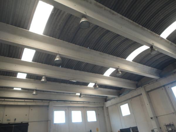 Lampade per illuminazione di capannoni industriali