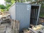 Immagine 3 - Box attrezzi in lamiera e bagno da cantiere - Lotto 30 (Asta 2226)