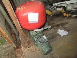 Self priming pump  laser level - Lot 42 (Auction 2226)