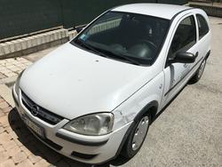 Gru FM e auto Opel Corsa - Lotto  (Asta 22261)