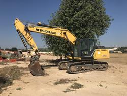 NEW HOLLAND E215C - Lot  (Auction 2229)