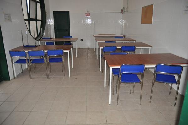 2#2231 Mobili per mensa - Foggia - Puglia - Arredamento