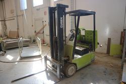 Clark Forklift - Lot 19 (Auction 2237)
