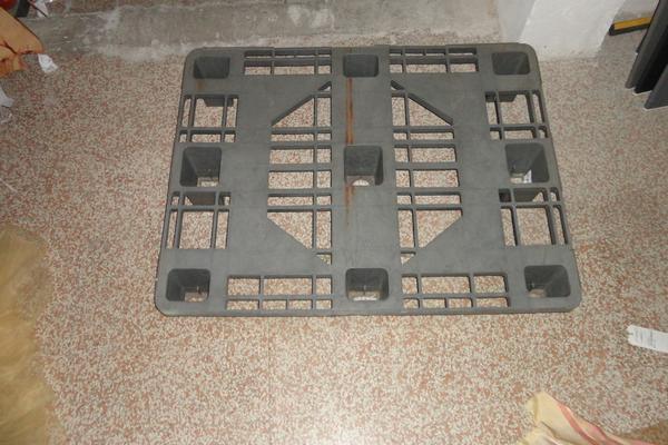 Immagine n. 4 - 3#22450 Bancali in plastica con strutture metalliche