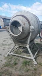 Oru concrete mixer - Lot 23 (Auction 2258)