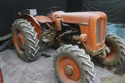 Fiat vintage farm tractor - Lot 23 (Auction 2272)