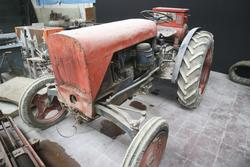 Same vintage agricultural tractor - Lot 24 (Auction 2272)