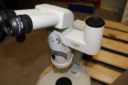 Nikon stereomicroscope - Lot 89 (Auction 2288)