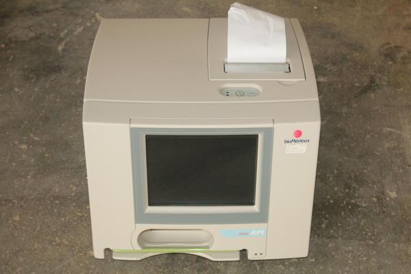 25#2301 Analizzatore automatico Biomerieux