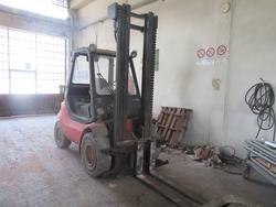 Linde forklift and pallet truck - Lot 11 (Auction 2311)