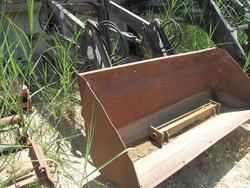 Sigma loader - Lot 82 (Auction 2338)