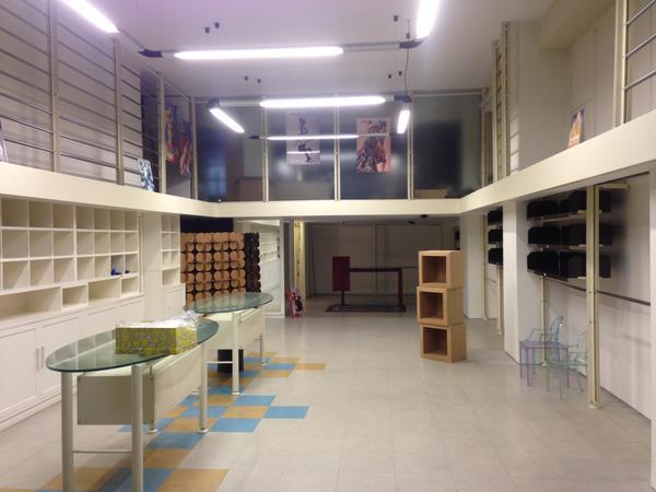 1#2341 Arredi negozio - Lecce - Puglia - Arredamento