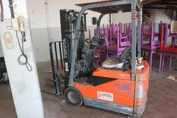 Toyota 15T electric forklift - Lot 81 (Auction 2346)