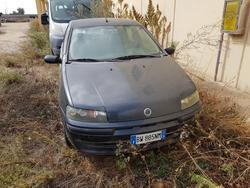 Fiat Punto car - Lot 1 (Auction 2355)