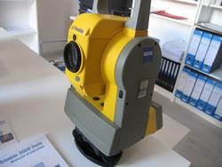 Trimble total station - Lot  (Auction 2401)