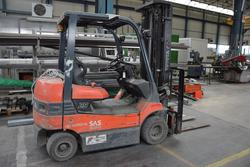 Toyota 25Q electric forklift - Lot 10 (Auction 2413)