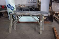 Equipped workbench - Lot 32 (Auction 2413)