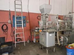 Bertolaso capping machine and Nortan capsule - Lot 3 (Auction 2415)