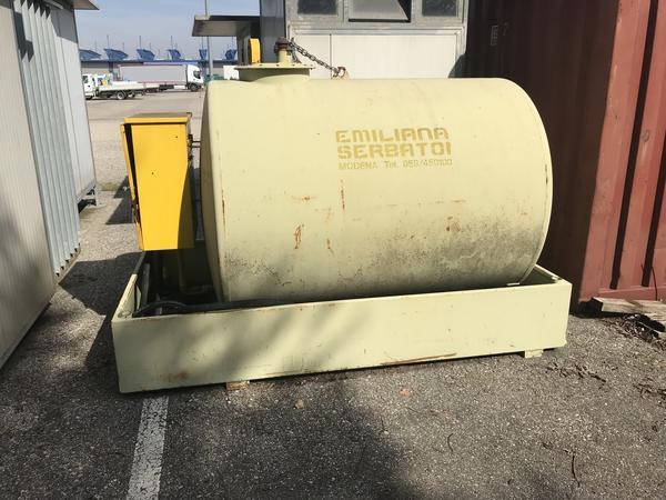 146#2431 Cisterna con blocco pompa