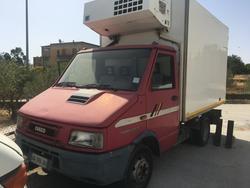 Furgone Iveco 35E12 con cassone Isotermico - Lotto 5 (Asta 2435)