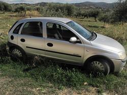 Opel Corsa car - Lot 2 (Auction 2436)
