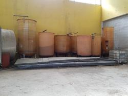 Fiberglass silos - Lot 121 (Auction 2447)