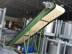 Conveyor belts and destemmer grape crusher - Lot 3 (Auction 2447)