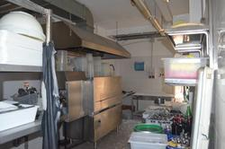 Restaurant equipment including furniture and machines for kitchen and pizzeria - Lot 1 (Auction 2452)