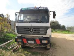 Mercedes Benz truck - Lot 1 (Auction 2455)