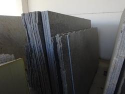 Stock di lastre in pietra di varie dimensioni e materiali  - Lotto 1666 (Asta 2461)
