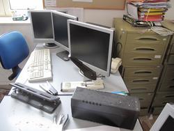 Stock di arredi ed attrezzature da ufficio - Lotto 3 (Asta 2503)