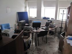 Stock di arredi ed attrezzature da ufficio - Lotto 8 (Asta 2503)