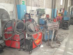 Stock of various brands of welding machines - Lot 32 (Auction 2504)
